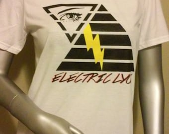 Lightning strikes graphic tee shirt