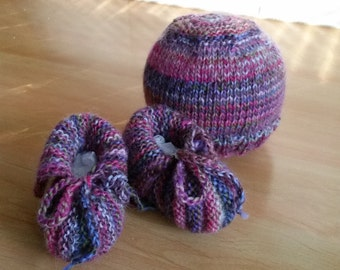 baby booties and beanie set