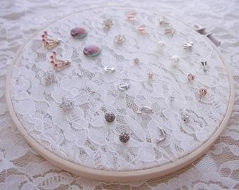 Flower lace Earring holder