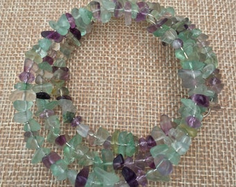 Fluorite Bead Chips in Green and Purple with Faceted Amethyst Memory Wire Bracelet