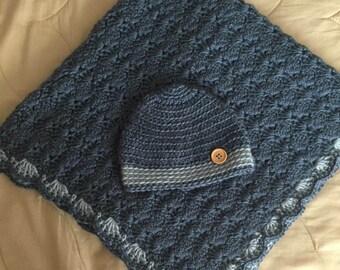 Crochet baby blanket with hat