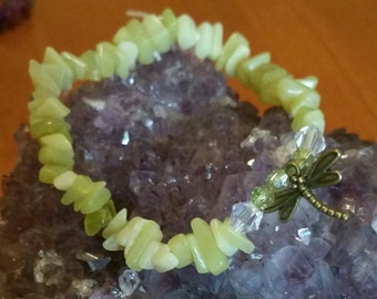 Crystal chip bracelet jade w/charm & crystal beads