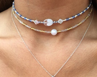 Beachy Bead Choker blue beauty and gold/pearl
