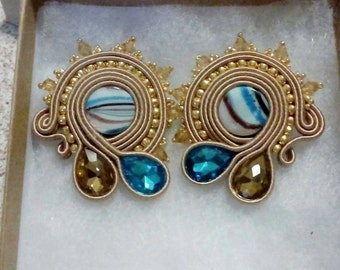 Mother of Pearl and Crystal stud earring