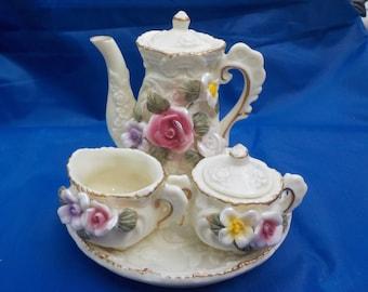 Vintage, collectable, miniature tea set.