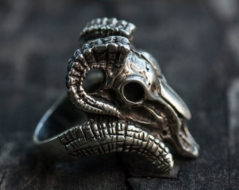 Goat head silver ring. Ram ring.