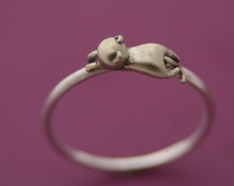 Lounging Cat Ring