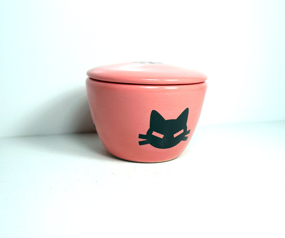 lidded bowl glazed in Bubblegum Pink, with a Cat Head (kitty cabeza) print. Made to Order/ Pick Your Colour