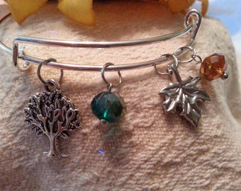 Modern charm bracelet - stackable  - Autumn fashion charms, green and amber crystal beads
