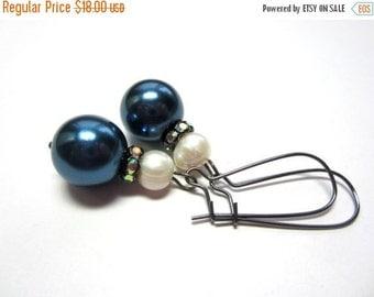 CIJ 35% OFF Tahitian Blue Pearl Earrings. Blue and White Pearl Earrings. Tahitian Glass Pearl Earrings.