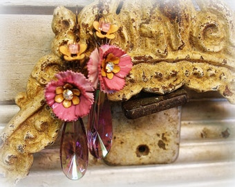delTa dawn vintage assemblage earrings . sCrumptious light amethyst pinks and cantaloupe flowers and cRystals