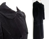 sale vintage Black Velvet Dress Coat / Long Velvet Opera Coat / Double Breasted fitted Pea Coat / Peter Pan Collar / Lux Elegant / Duster oo