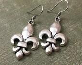 Antiqued Silver Fleur de Lis Earrings | Matches my I Love Louisiana and New Orleans Saints Necklaces