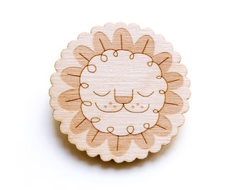 Leaf Lion - Wooden Badge / Pin / Brooch