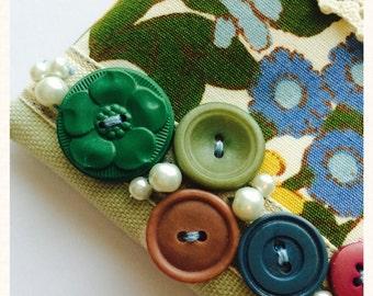 Vintage Floral Print and Button Coin Purse, pouch, zipper