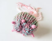 Horn Jellyfish Brooch #2 (pink) - plush pin toy amigurumi nature ocean sea creature yarn craft handmade