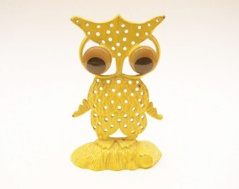 Free Shipping  Earring holder Owl  Yellow Retro Kitsch Vintage Metal