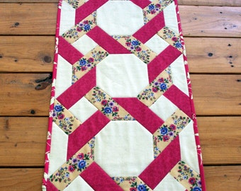 Garden Twist Quilted Table Runner, Quiltsy Handmade, Garden Trellis, Flower Table Decor, Vintage
