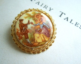 Glass Cabouchon Country Lovers vintage brooch - round picture pin from the 1960s pin - mounted in a gold circle setting