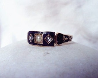 Wonderful antique diamond and pearl black enamel 18k gold Victorian mourning ring, c1870s
