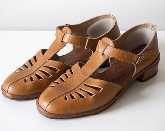 Boho 70s Leather T-Strap Shoes with Cutouts Sz 36