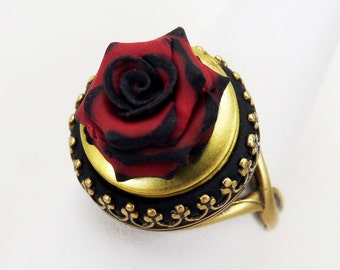 Rose Locket Ring - Gothic Ring, Secret Compartment Ring