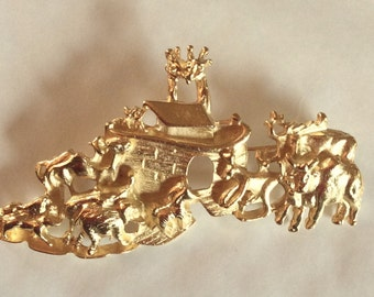 Noah's Ark Animals Bible story gold tone brooch / pin