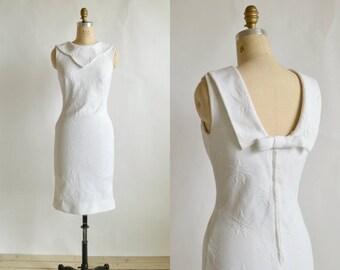 30% OFF 1960s White Sheath Dress --- Vintage Julie Miller Dress