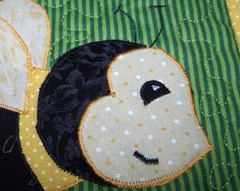 Bumblebee quilted wall hanging