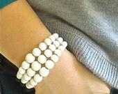 Vintage Stretch Bracelet// White Beaded Bracelet// Beaded Wire Bracelet
