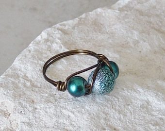 Wire Wrapped Bead Ring,Teal Blue Bead Ring,Wire Wrapped Ring, Antique Brass Ring ,Teal Ring, Beaded Wire Ring, Boho,Size 7 Ring