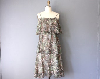 vintage 70s dress / floral flutter dress / green floral garden dress / small