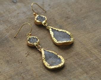 Pale Grey White Teardrop Druzy Statement Dangle Earrings in Gold EDR18
