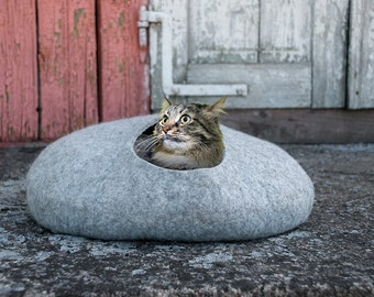 Natural grey wool Cat cave Washable pet bed Felted fleece animal bed Handmade pet bedding house your best friend