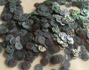 New Item -- 7 g of 6 mm Textured Round Sequins in Iridescent Grey Color