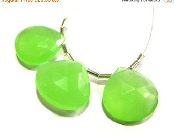 55% OFF SALE 3Pcs Apple Green or Prehnite Chalcedony Faceted Heart Briolettes 18x18mm matched pair and a focal pendant