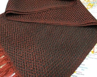 Chronicles of Narnia: Lucy Pevensie handwoven character scarf