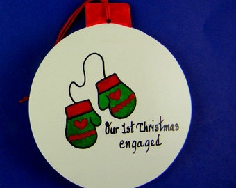 0037 Mittens circle. Free shipping. Message shown is a suggestion. Ornaments can be written with a message/name/date of your choice.
