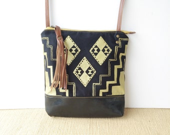 weekdayer - large • crossbody bag - black and gold • metallic gold geometric print - glossy black faux leather • vukani
