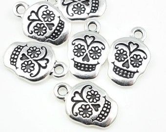 Antique Silver Sugar Skull Charms Silver Skull Charms Day of the Dead Charms Dia de los Muertos Silver Charms TierraCast Rose Skull (P837)