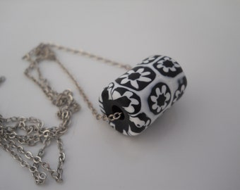 Women's Necklace 1930s Venetian Glass Bead Silver Chain Black and White Vintage Artisan Bead Millefiori Style Handmade Unique Made in Italy