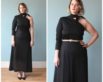 plus size dress / black maxi dress / asymmetrical dress / 1970s / XL