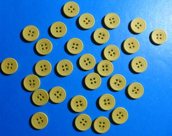 Pale Yellow Buttons 3/4 Inch 4 Holes