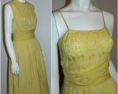 vintage 1950s sun dress / Tailored Junior / yellow gingham eyelet / New Look XS