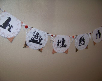Christmas Banner Old Fashioned Silhouette Santa Snowman Paper Doily Vintage Buttons Children Silhouette