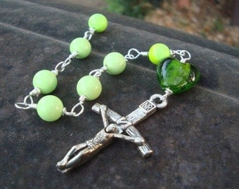 Christmas in July Lime Turquoise Christ Triumphant Chaplet  Protestant Prayer Beads  originallly  22 dollars now 15 sale. Anglican chaplet.