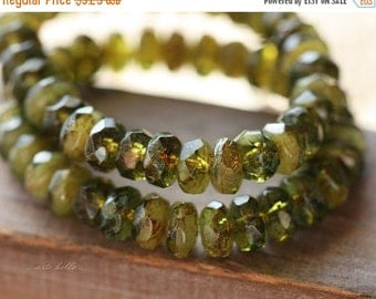 10% off GRANNY SMITH BITS .. 30 Premium Picasso Czech Rondelle Glass Beads 3x5mm (4476-st)