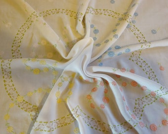 vintage colour daisy hand embroidered tablecloth 32x32 inch