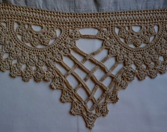 Vintage Table Runner with Heavy Lace