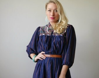 1970s Boho Bell Dress >>> Size Small to Medium
